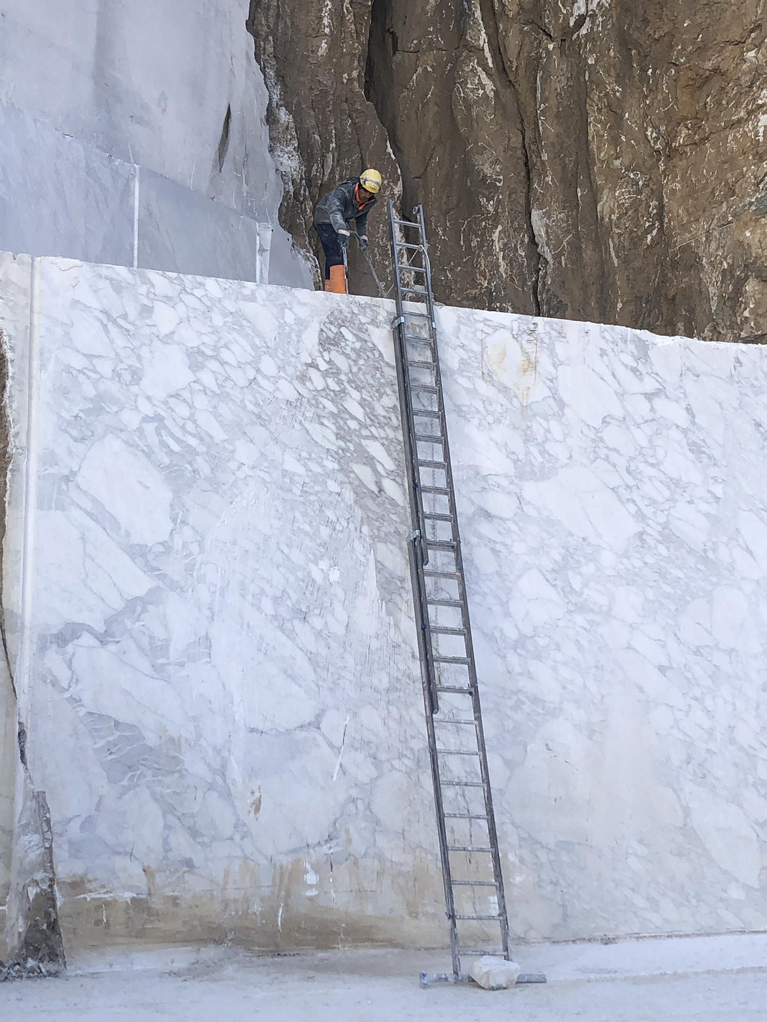 ARABESCATO VAGLI Marble - Sourced from our craftsmen quarries in Tuscany.Arabescato Vagli is a marble with an ancient history.Characterisedby a white background with light grey shades and pattern. <ul>  <li>Ultimate tensile strength (UTS) to pressure stress: 1.462 Kg/Cm2</li>  <li>Ultimate tensile strength (UTS) after freezing cycles: 1.260 Kg/Cm2</li>  <li>Ultimate tensile strength (UTS) to bending stress: 75 Kg/Cm2</li>  <li>Thermic linear dilatation 10-6 per °C : 9,4</li>  <li>Water absorption coefficient % in WeighT: 0,23</li>  <li>Weight per unit volume: 2.684 Kg/m3</li>  <li>Impact strength: 40,0 Cm</li>  <li>Module of linear elasticity: 406.000 Kg/Cm2</li>  <li>Abrasion strength: 8,14 mm</li> | Matter of Stuff