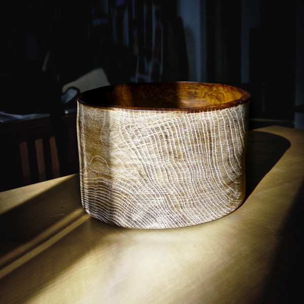 Bowl Oak 03 - The artistic work of the trained carpenter and film-director Fritz Baumann is expressed in award-winning films and unique works in wood. Bowl Brushedimed Oak 03 is hand carved in oak and limed.  | Matter of Stuff