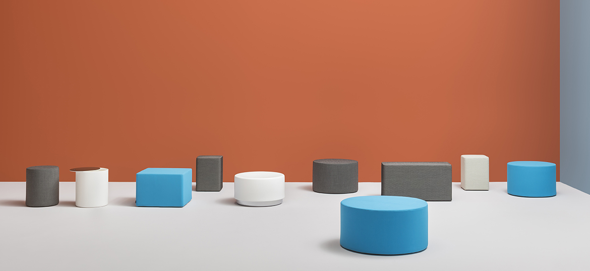 Wow 327 Round Pouf - Pouf that gives a casual and ironic touch to the contract and domestic environments. With a round shape of Ø 400mm, Wow is upholstered in polyurethane injected foam and has a steel base. | Matter of Stuff