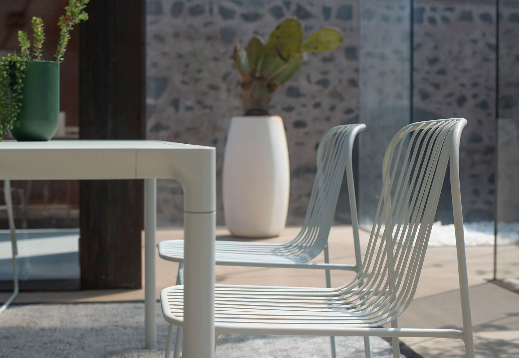 Riviera Lounge Chair - Set of 2 - <p>The Riviera collection is minimal and sophisticated, yet, extraordinarily comfortable. The collection stands out for its sinuous lines the retro look of the materials and modern finish techniques used. The collection includes The seat, armchair, footstool and a lounge chair.</p>