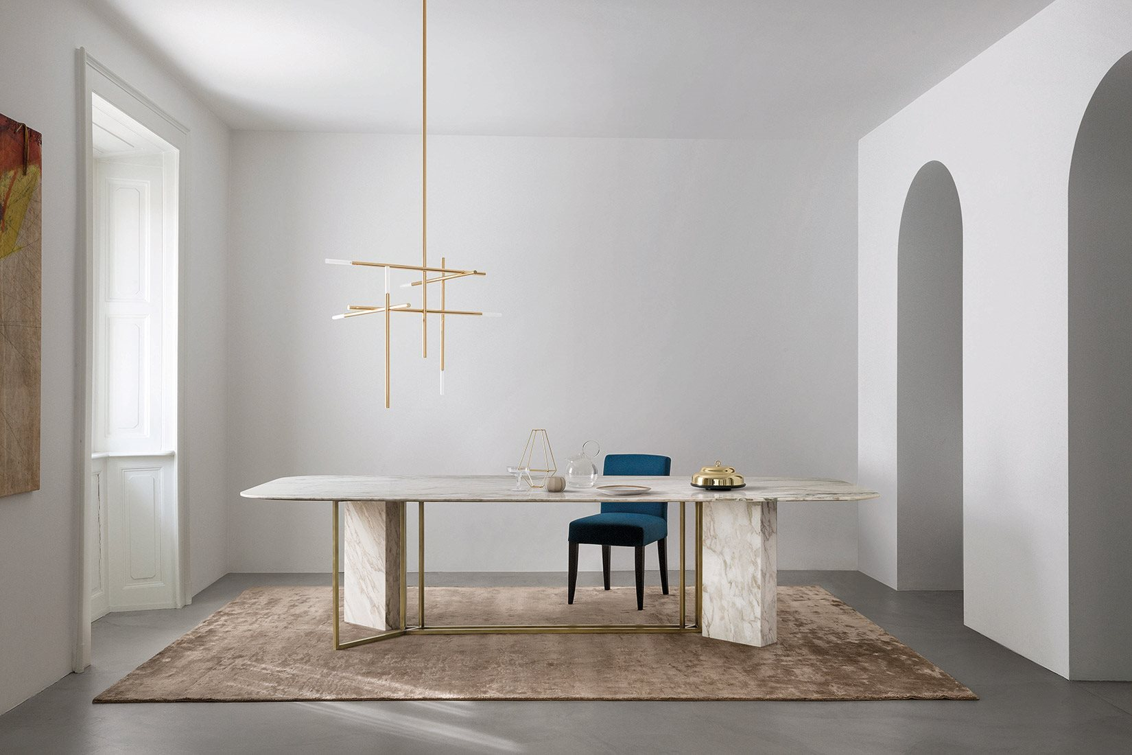 Plinto Rectangular Large Dining Table - Dining tables with metal base with plinth. Tops in different models and dimensions. Finishes for metal base - black varnishes - bronzed brass Finishes for plinth - wood veneer - matt or glossy lacquer - marble Finishes for tops - wood veneer - matt or glossy lacquer - marble   Matter of Stuff