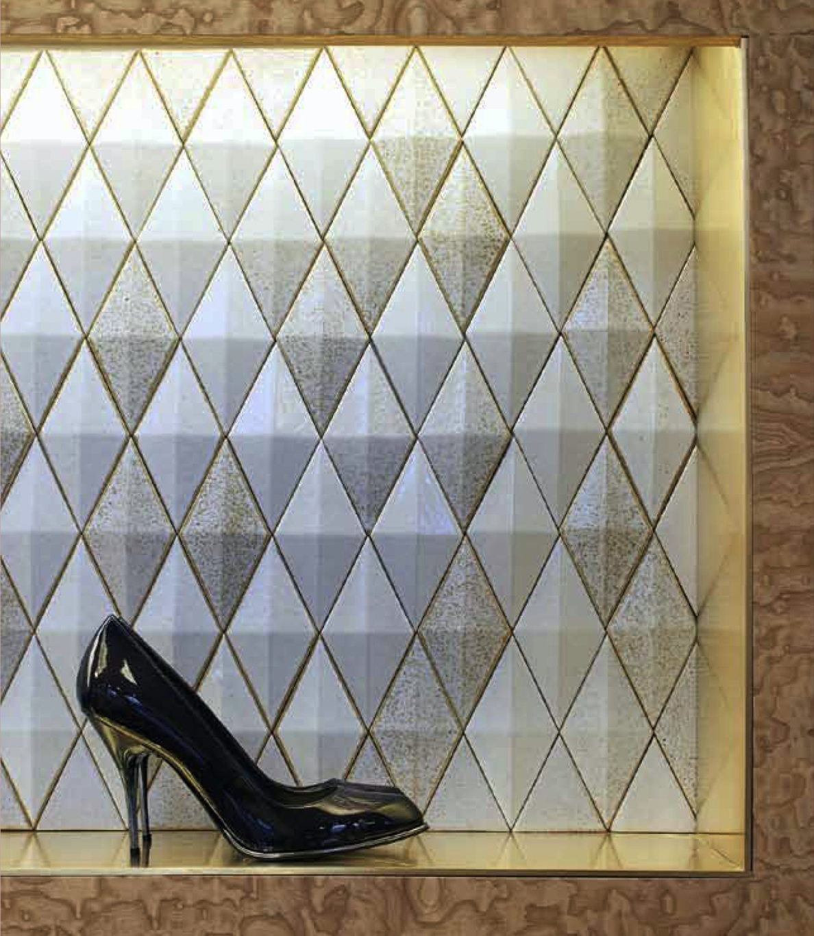 3D Diamond Tiles - Salt & Pepper - 3d Diamond ceramic tiles are characterized by a rhombus shape and are sized cm 24×14 cm. 