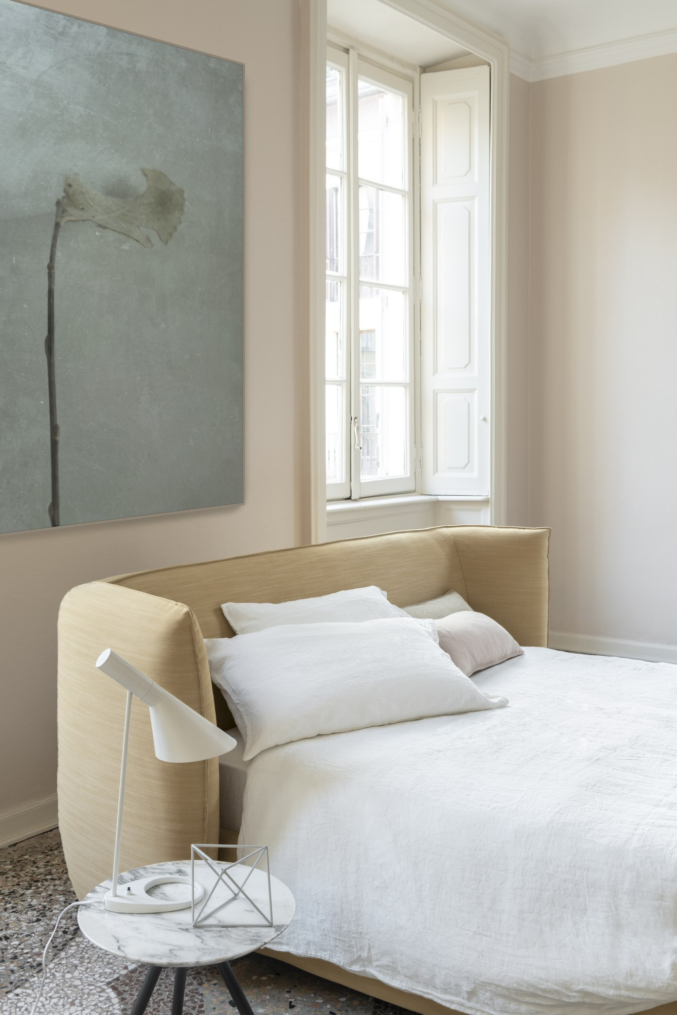 Jill Bed - Jill envelops thoughts and dreams by the embrace of its headboard, creating a comfortable intimate atmosphere. Its soft and generous shapes have a leading role in the night space, dominating also the room center.   All beds are available in different sizes and frame options. Please enquire for more details. | Matter of Stuff