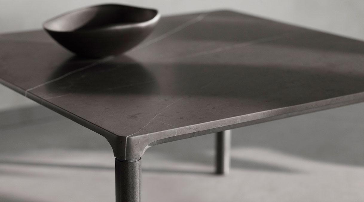 Piloti 6750 Stone Coffee Table