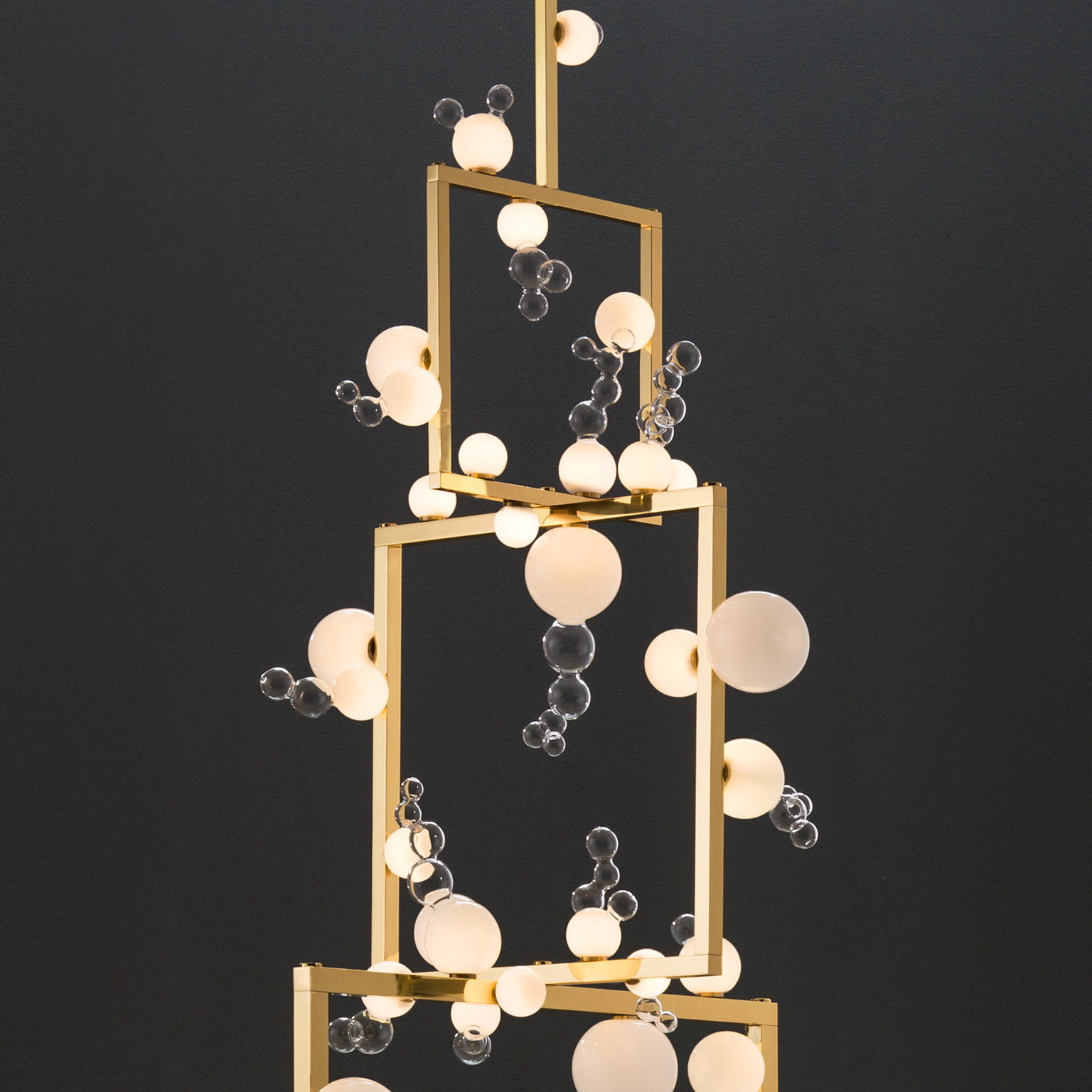 Bollicine - Chandelier 3 Tiers - <p>Simone Crestani uses borosilicate glass working with the lampworking technique. He has developed a personal style that allows him to create large pieces while at the same time concentrating on the smallest details. However, the creation of the work and the technique used are only the final part of the process.</p>  | Matter of Stuff