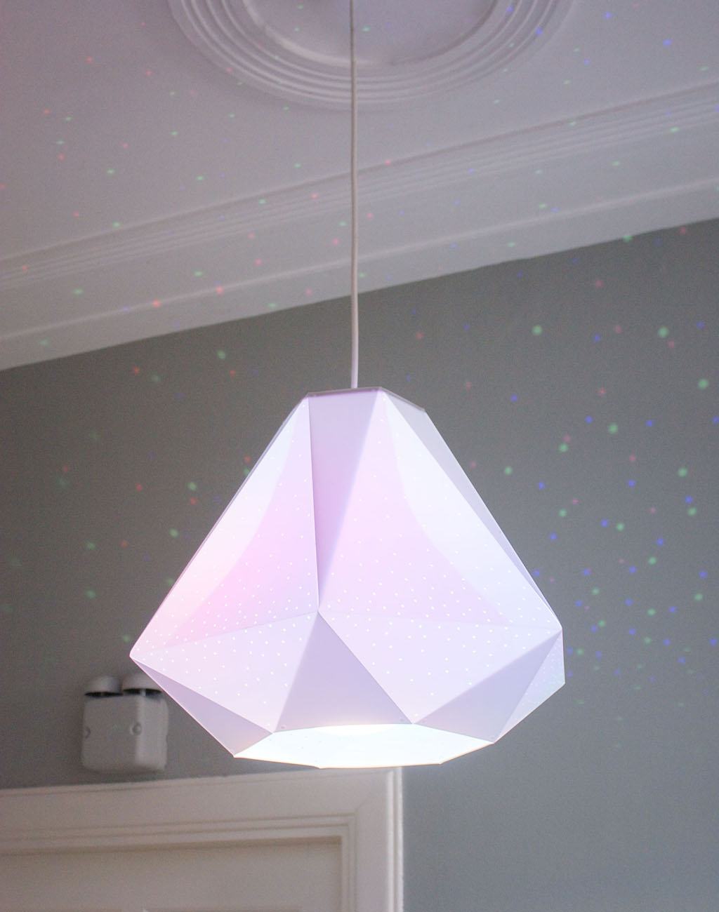 CMYK Diamond - <p>The faceted Diamond shade is made of matte white polypropylene covered in tiny pin-pricks to scatter coluored dots of light onto surrounding surfaces. The light sparkles through the little holes like a real diamond.</p>