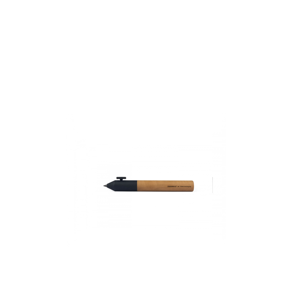Neri Wood Short Pencil - Neri Wood Short Pencil is the pencil used by architects and illustrators, in pear wood with screw in black brass. Neri pencil supplied with graphite lead, mm. 3,2. Neri is a family of pens and mechanical pencils – and the debut of Internoitaliano in the world of deskware – designed by Giulio Iacchetti. The sizing, velvety finish and screw placement have been carefully studied for maximum comfort. Neri makes a clean break with the usual spring mechanisms and classic pen caps. Adjustment of lead length – and, unusually enough, of the position of the pen refill as well – is governed by the pressure exerted by the screw, a method borrowed from the point regulators of the compasses used in technical drafting. Over the years the Neri family has grown to include the Short version – like the pencils used by architects – and the Wood version, in pear wood.  | Matter of Stuff