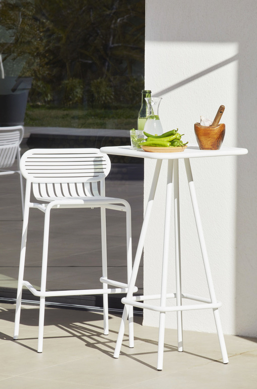 Week-End High Stool - The WEEK-END collection is a full range of outdoor furniture. Designed with practicality in mind, all of the seats are stackable. The Week-End collection is a complete range of outdoor furniture. The oval and circular shape drawn by the backrests makes them a graphic statement. The impact of the horizontal and vertical slats, so similar to stripes, highlights the full and empty spaces, asserting the identity of the collection. Quantity: 2 Stools  | Matter of Stuff