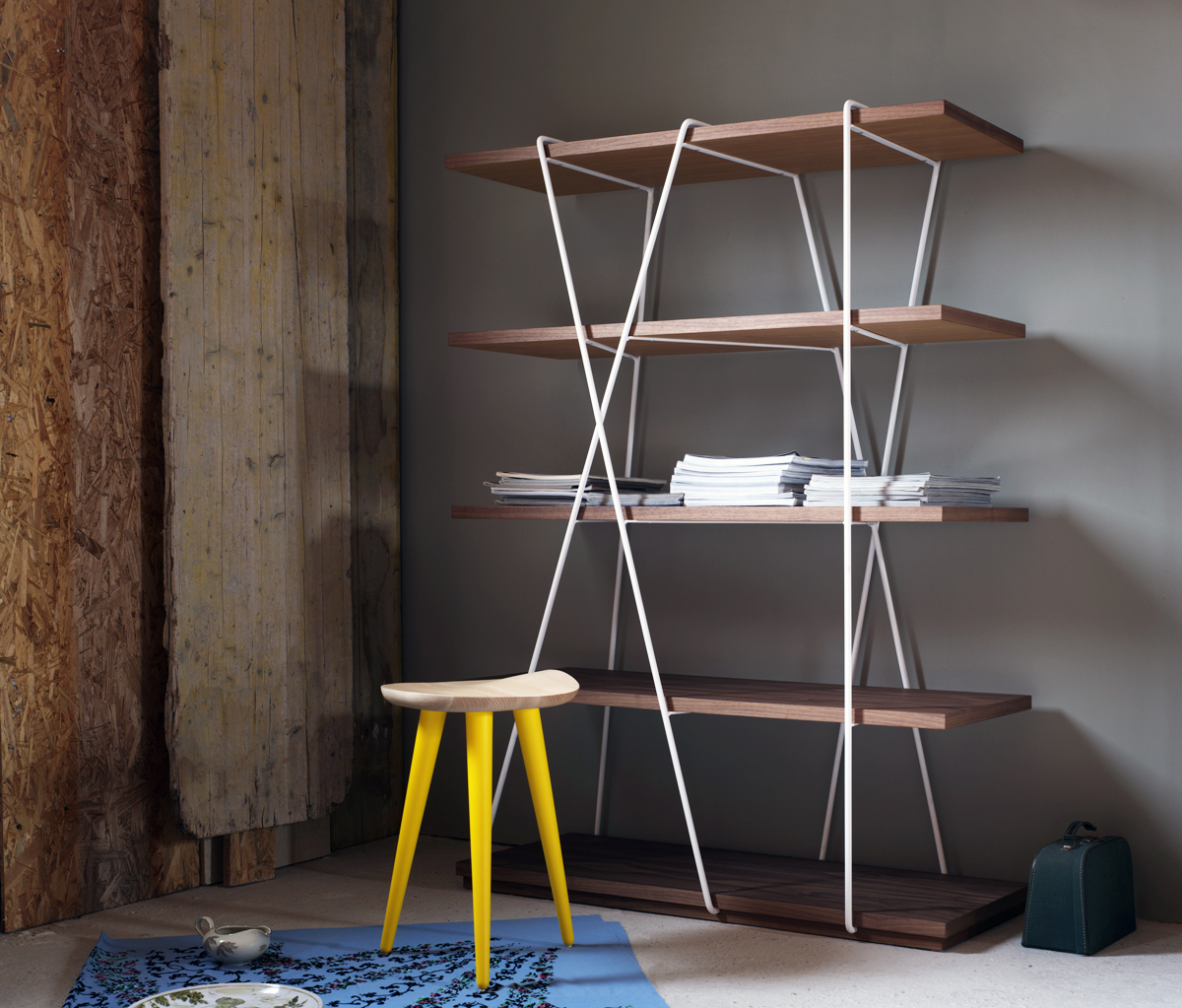 Matassa Bookshelf - Like the yarn from a ball, the fine lines of the bookcase neatly wrap around the shelves. And so Matassa becomes a curious addition with a pleasing balance. | Matter of Stuff