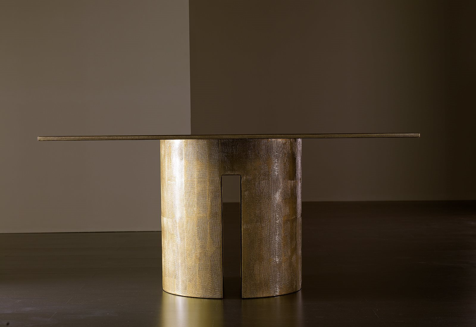 Gong Square Table