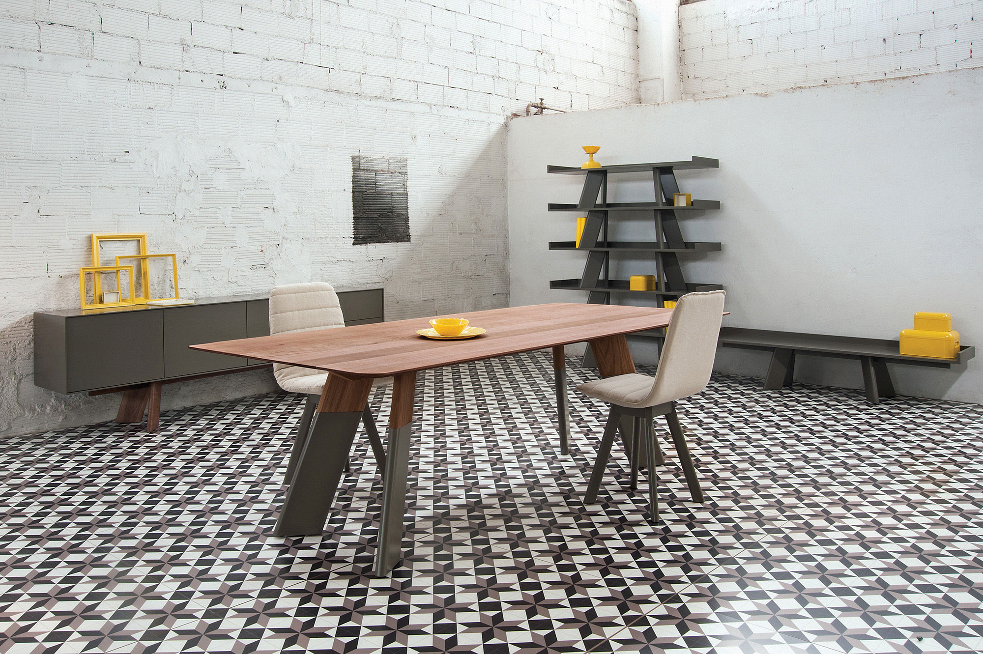 Alhambra 001 B Dining Table