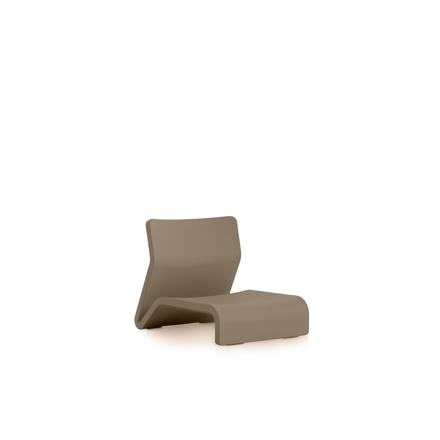 Clip Lounge Chair - <p>This is the armchair in our Clip collection, one of Diabla's most ingenious collections, as it allows you to create a whole range of different furniture with just two elements. For example, by adding the side table to this outdoor armchair as a footrest, it becomes a lounger. And if you alternate several of these two pieces in a row, you'll get a sofa with however many seats you want. Behind its appearance of spontaneous strokes is a very carefully studied design.</p> <p>Due to its sinuous form and low height, made from 100% recyclable polyethylene, the Clip outdoor armchair is an especially comfortable seat that creates a casual atmosphere that's perfect for laid-back, informal settings. In combination with its side table it can be used to improvise not only different furniture but also multiple scenarios depending on your needs at each moment. What you do with it is all down to your creativity.</p>    Matter of Stuff