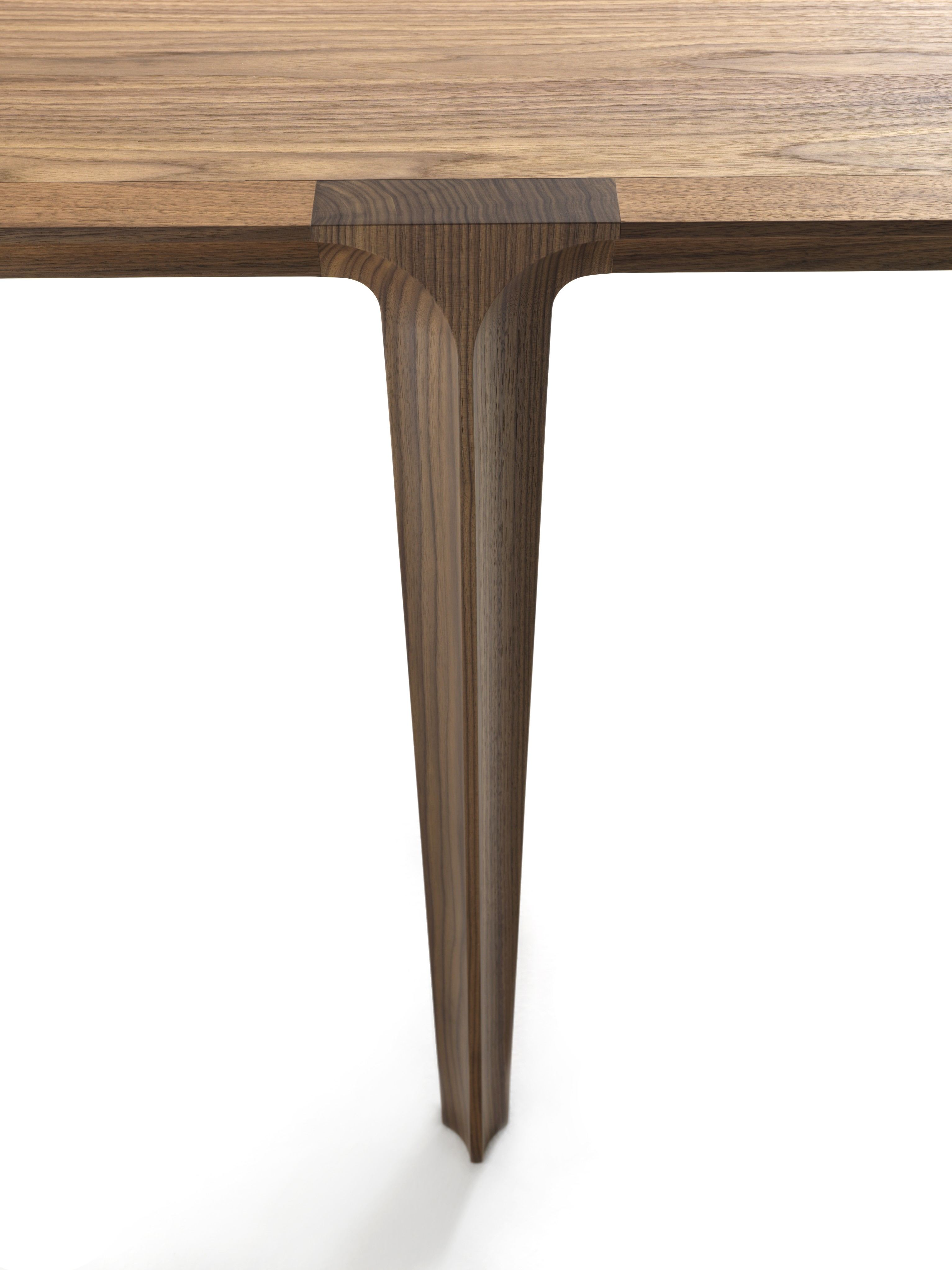 Renaissance Table - <p>A table inspired by historical European architecture; looking at this faint lines, one can recognise a reinterpretation of the shape of a full-centre arch, which characterises buildings and cathedrals of the Renaissance.</p>  | Matter of Stuff