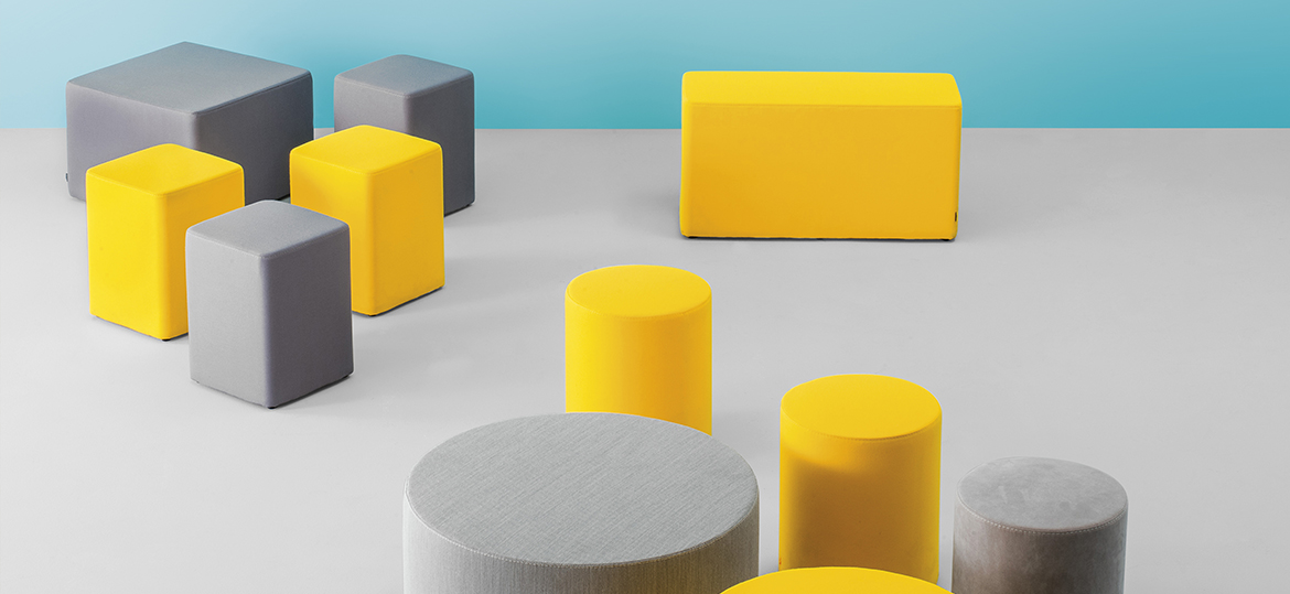 Wow 325 Round Pouf - Pouf that gives a casual and ironic touch to the contract and domestic environments. With a round shape of Ø 850mm, Wow is upholstered in polyurethane injected foam. | Matter of Stuff