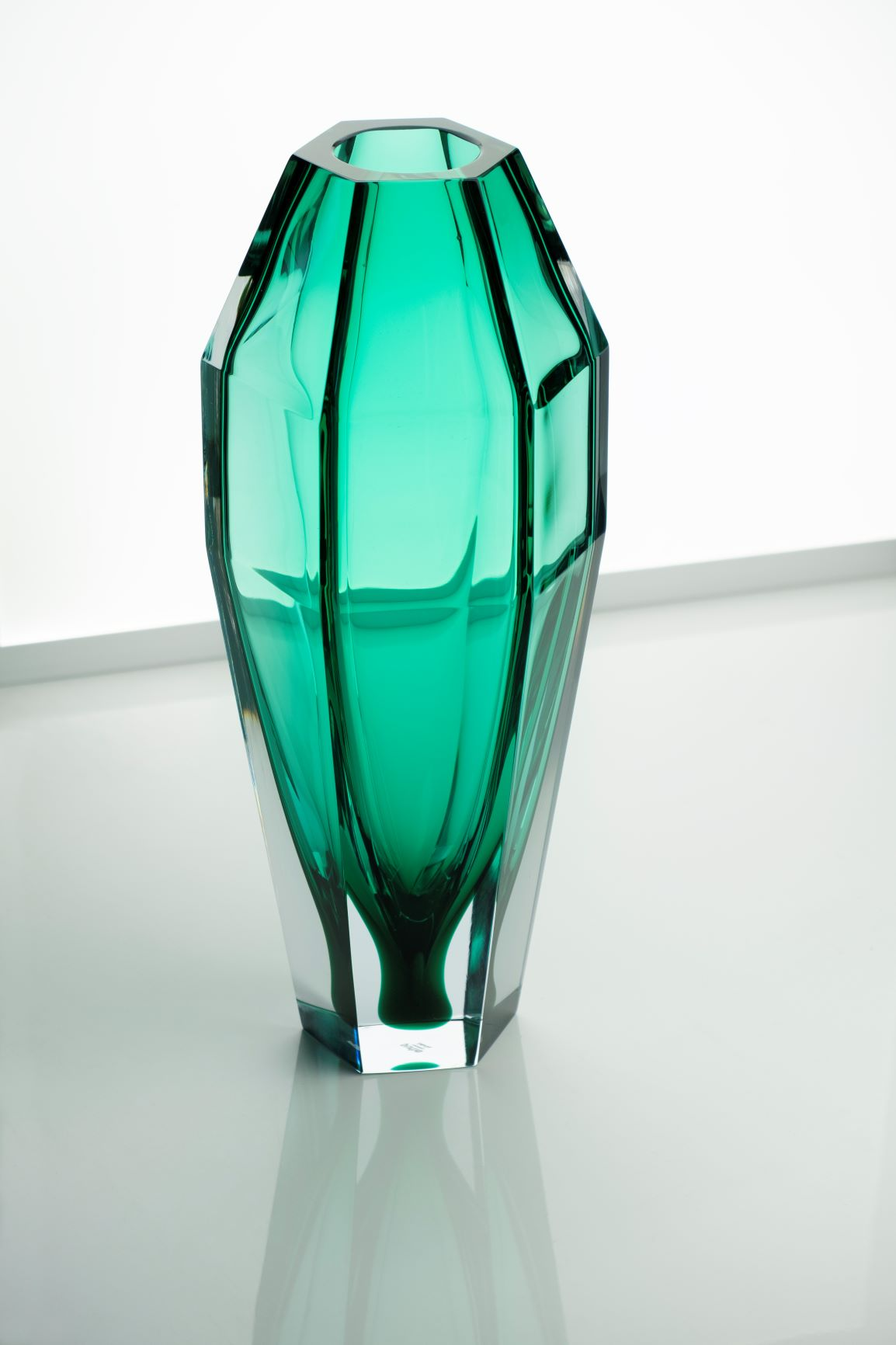 Gemello Vase - Purho continues to search for products with complementary shapes with the pair of Gemello and Gemella vases designed by Alessandro Mendini. Sharing the same design concept, the vases play on contrasting volumes, so that the first appears more slender whilst the second has softer lines, a nod towards the male and female silhouettes. Made of Murano glass, clear or with matt finish, the vases can be customized by choosing among the twenty-one shades of the colour chart.  Please enquire for colour options and customisation.   Matter of Stuff