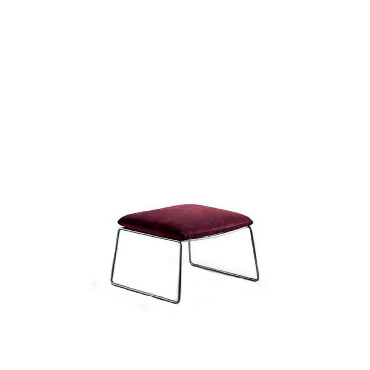 New York Bergère Pouf - The same frame as the New York armchair boasts the comfortable upholstery of the bergère. The classic function of the armchair for reading or relaxing is ensured by the height of the back, the comfortable headrest and the elegant pouf. An unbroken link with tradition interpreted in a contemporary style with a sophisticated lightness. Fully removable covers.  Additional removable cover is available, please enquire for prices.  Materials Structure in 12 mm wire drawn. The seat is in perforated sheet metal. Chrome or painted finish. Inner pad and seat cuchion are in 50IP polyurethane foam; back and headrest cuchions are paded with 21IM and 25IM polyurethane foam. All is covered with white cotton fabric on 380gr/sqm polyester fiber. | Matter of Stuff