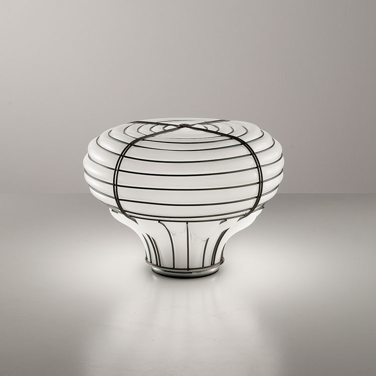 Siru Chapeau Table Light - Hand made blown glass suspension with the techniques of the old Murano glass masters.  | Matter of Stuff