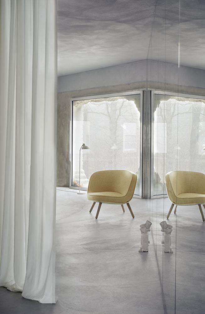 VIA57 Lounge Chair