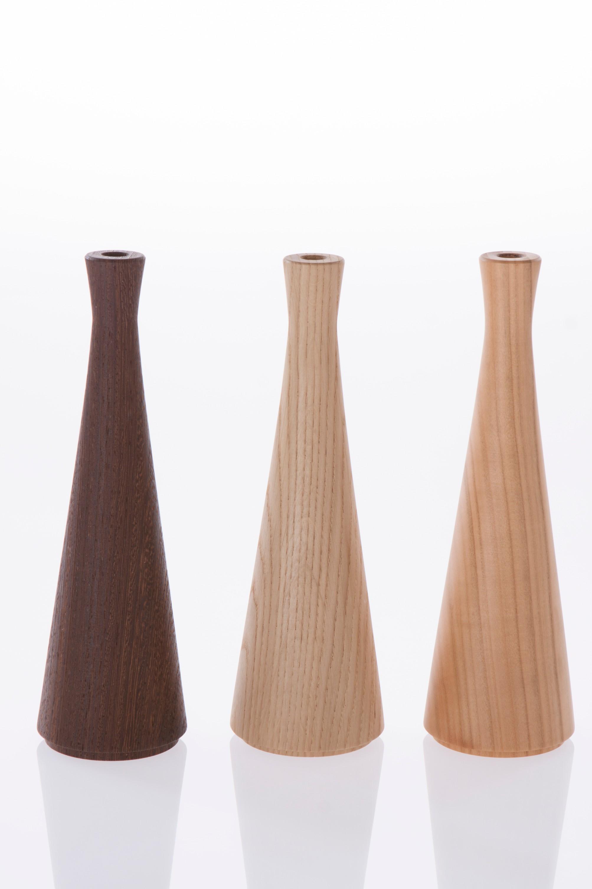 Stelo Vase - Vase made of solid wood.   Matter of Stuff