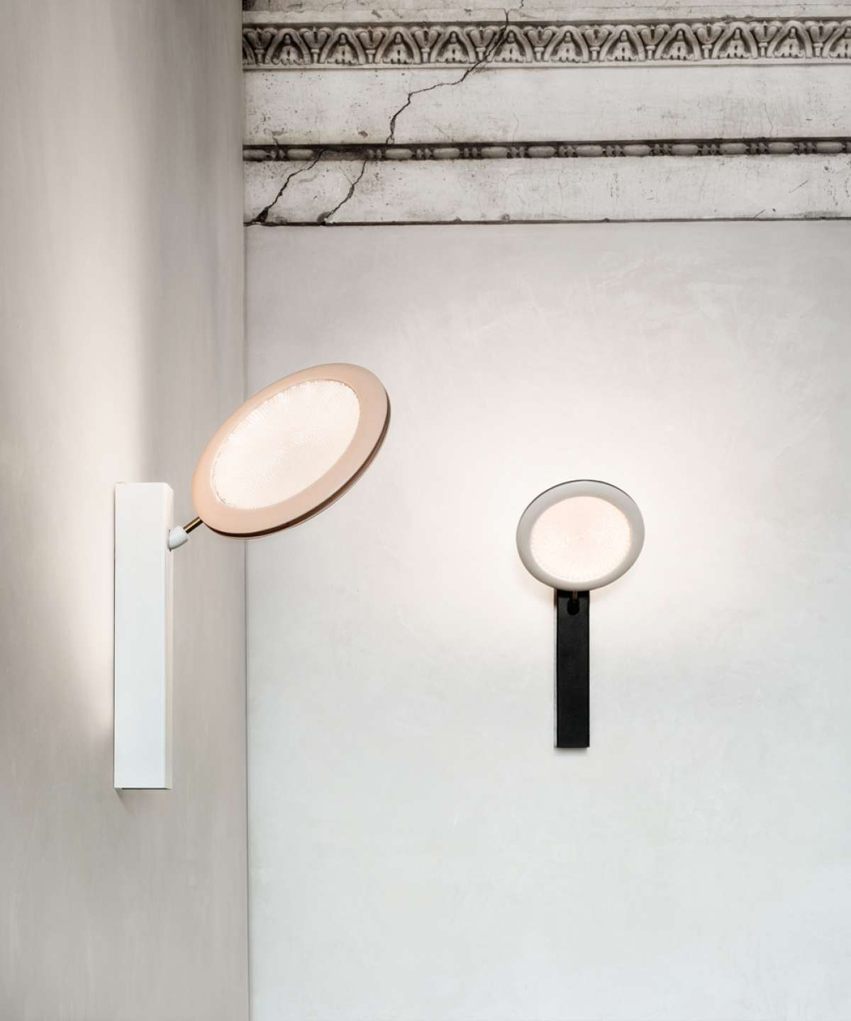 Fly-Too Wall Lamp