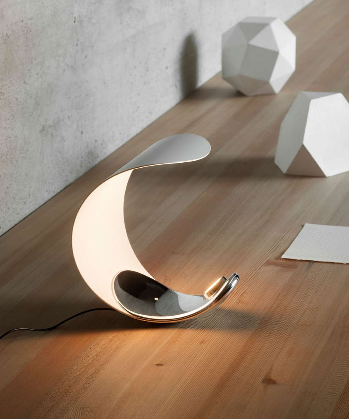 Curl Table Lamp