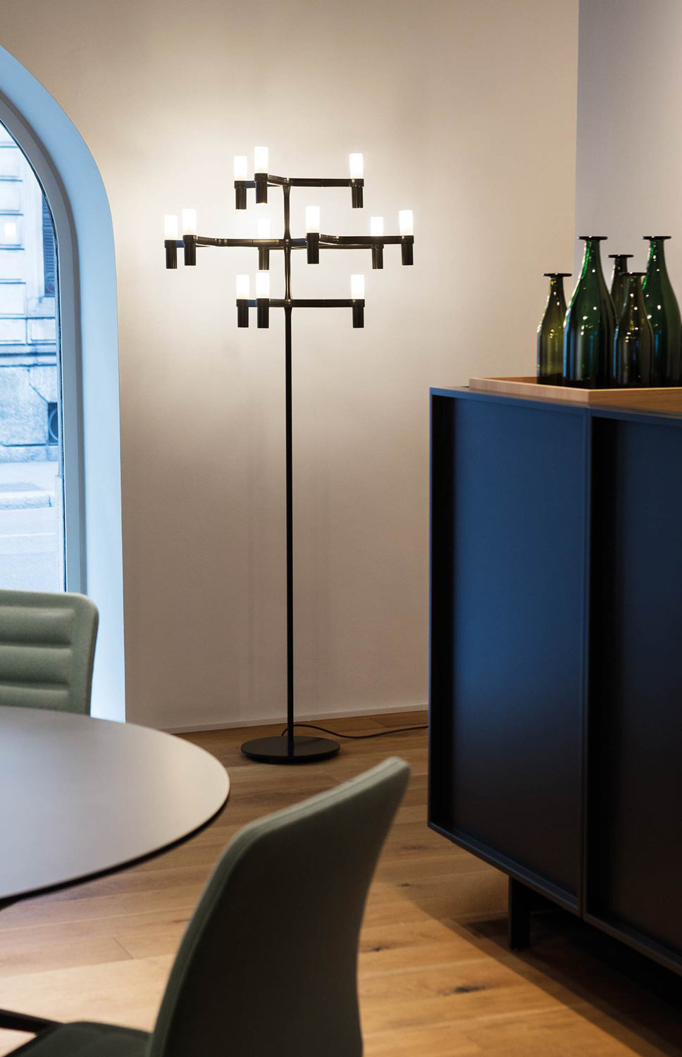Crown Floor Lamp - <p>Floor version of the Crown family. Stem in aluminium with integrated dimmer on the cable. Available in hand-polished aluminium, painted in matt white, matt black and matt gold.</p>  | Matter of Stuff
