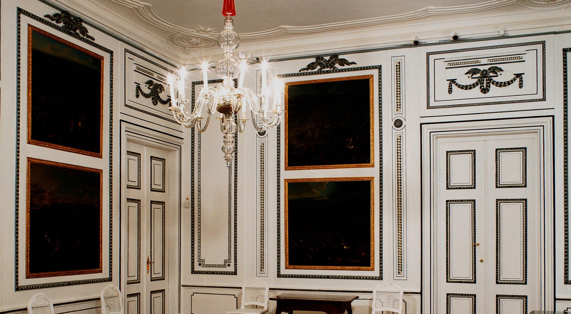 Schloss Hof Chandelier