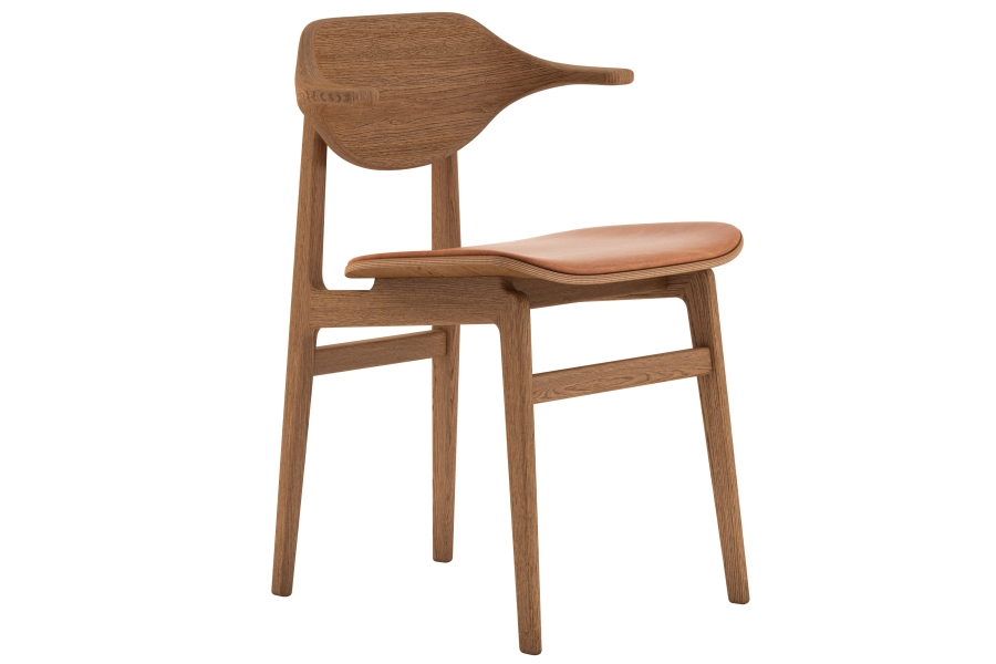 Buffalo Dining Chair Upholstered - Buffalo is the latest edition to the family of dining chairs based on the proven NY11 frame. The back is made from multiple layers of oak veneer forming the characteristic buffalo horn shape. The back and armrest gently curves around the body and provides superior comfort.  Buffalo comes with legs of solid oak and a seat of laminated oak veneer. The seat is available with various upholstery options. | Matter of Stuff