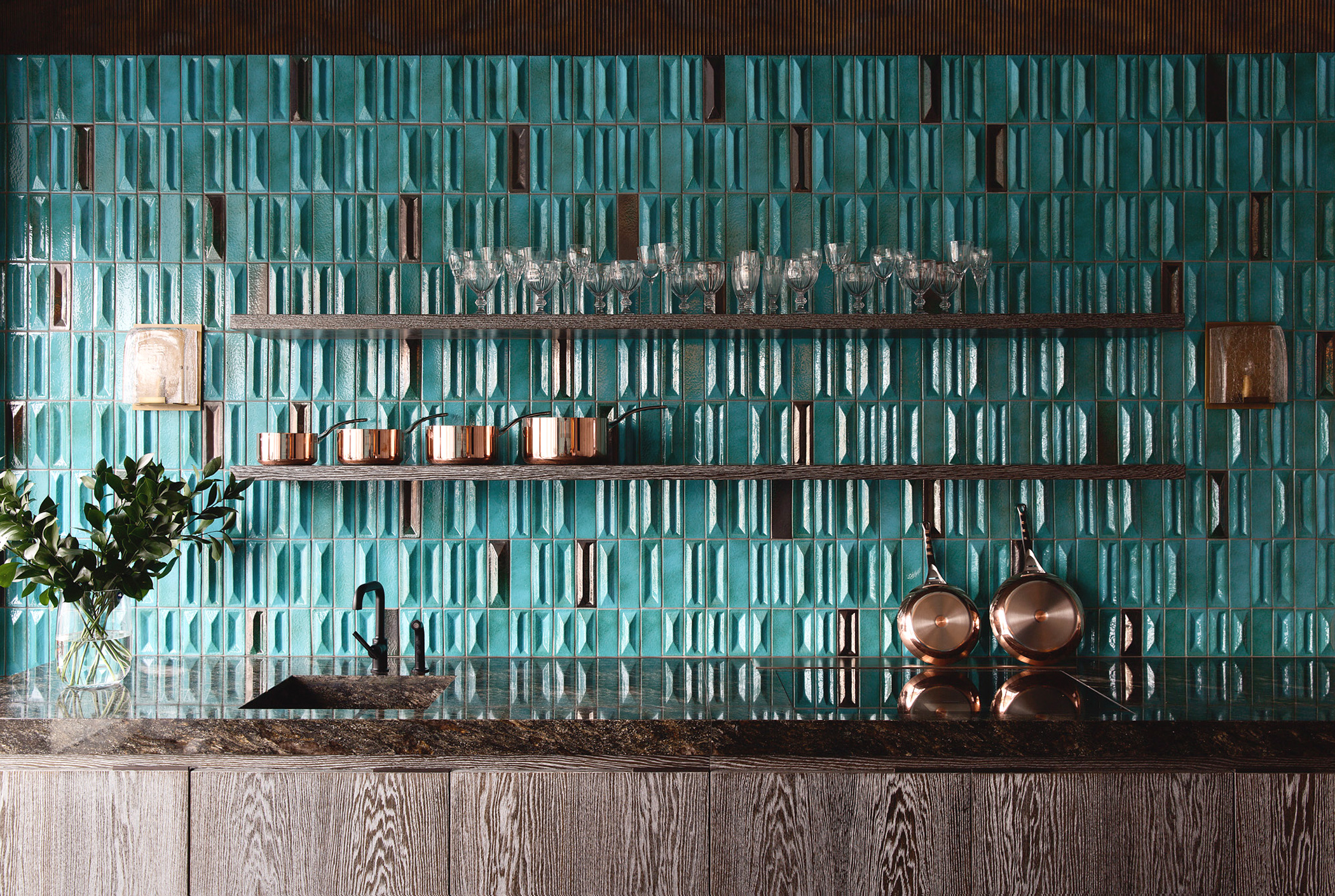 Doria- Gio Ponti - Flamed Effect - Doria tiles were originally designed by Giò Ponti in 1971 for Palazzo Montedoria, in Milan. These Green ceramic tiles are characterized by a smooth diamond-cut surface, sized cm 6×19 cm. 