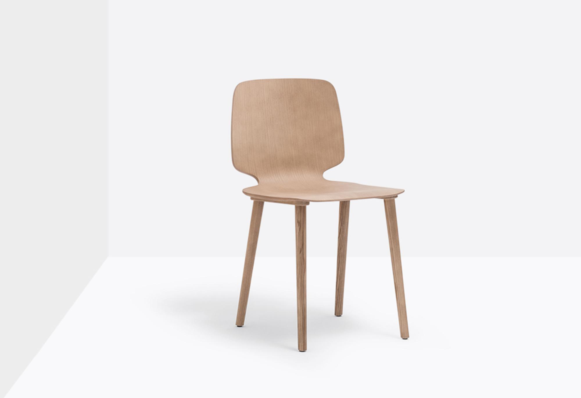 Babila Wooden Chair
