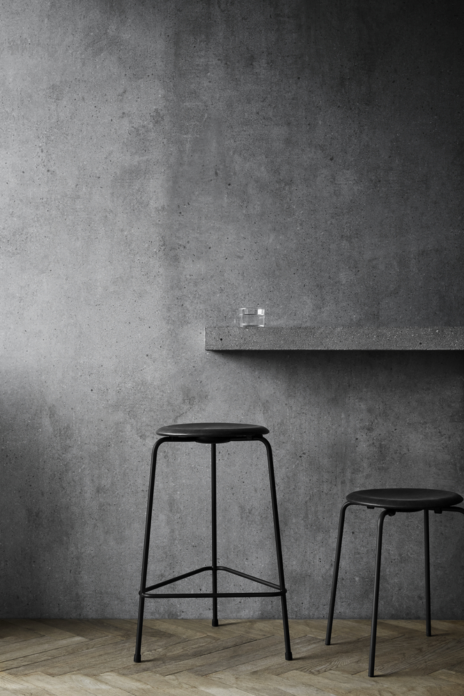 High Dot Stool - <p>Meet an Arne Jacobsen favourite in the shape of a sophisticated counter stool. The Danish designer and architect Arne Jacobsen first introduced the three-legged Dot stool back in the 1950s alongside his first stacking chair the Ant. </p>