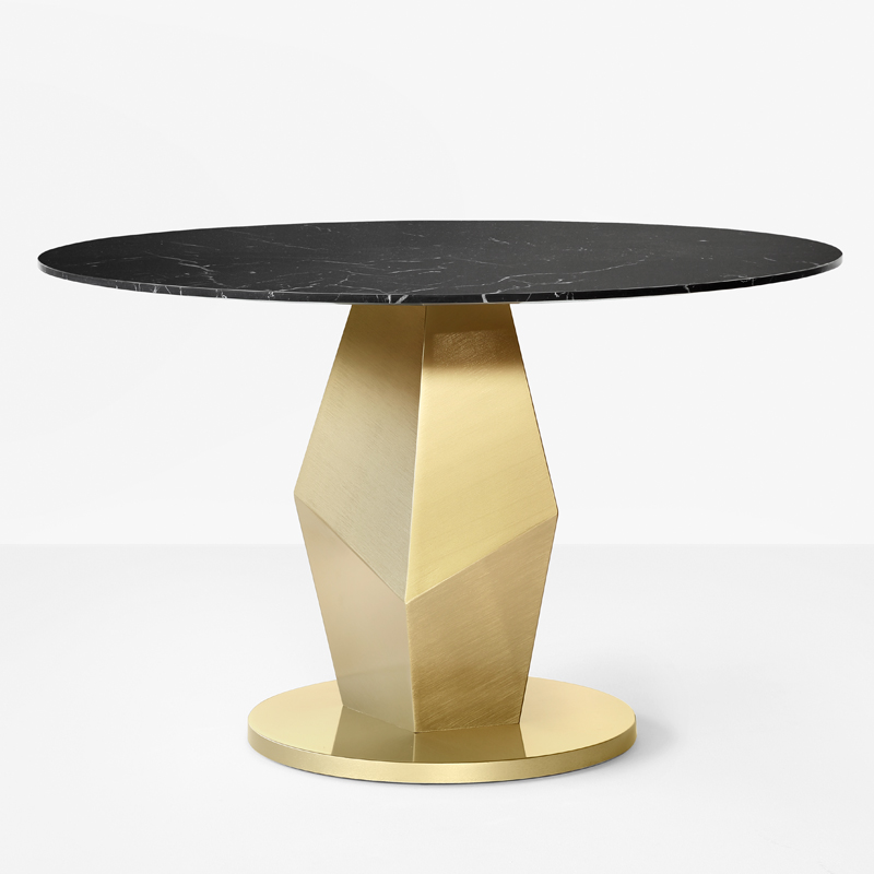 Achenar Dining Table - Achenar is a dining table entirely worked by hand with traditional craft techniques. The structure is in stainless steel with liquid brass finish  and the top is available in Nero Marquinia Marble or Port Laurent Marble. 100% made in Italy.  | Matter of Stuff