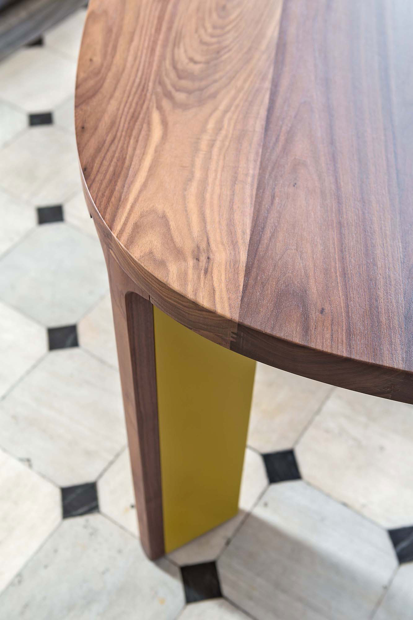 Acro-Bat 002 Dining Table