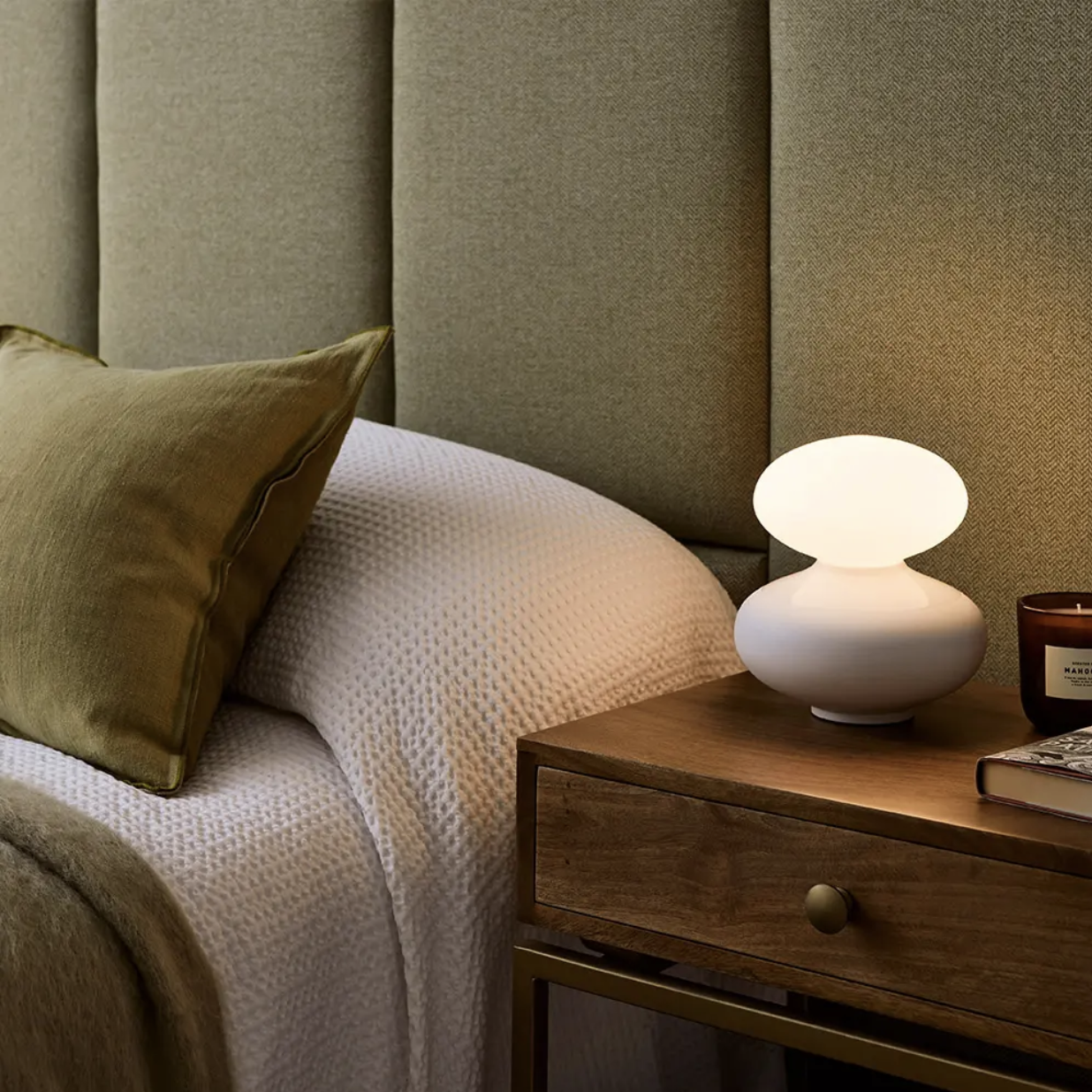 Reflection Oval Table Lamp