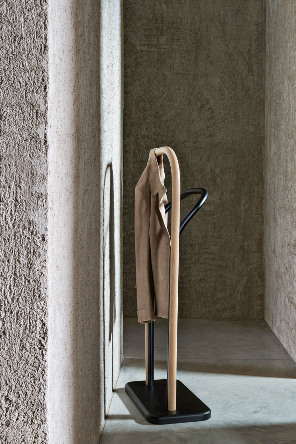 Arch Clothes Valet - The Arch Clothes Valet enriches the furnishing proposal that Front, the Swedish designer duo, created for Wiener GTV Design in 2014. An element that embodies the brand's signature style in its linear simplicity, updated with an unexpected twist thanks to the two-toned wood. Ironic yet discreet, the Arch Clothes Valet adapts easily into the personal area of any home, like the bedroom or bathroom. | Matter of Stuff