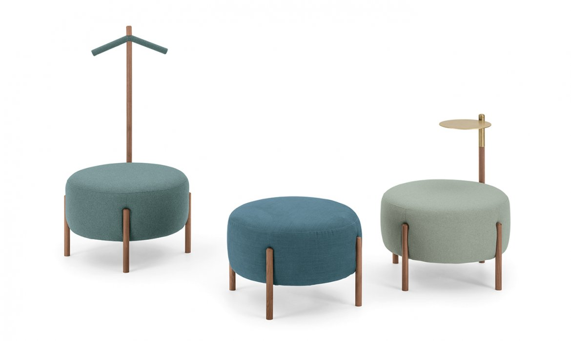 Flag Pouf - Series of poufs that can be combined with Flag bed, due to their aesthetics and versatility. It is possible to enrich the basic model with two useful accessories: a brass tray or a convenient clothes hanger.  Trays, clothes hangers and other accessories are available. Please enquire for more information and prices.    Matter of Stuff