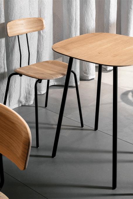 Okito table
