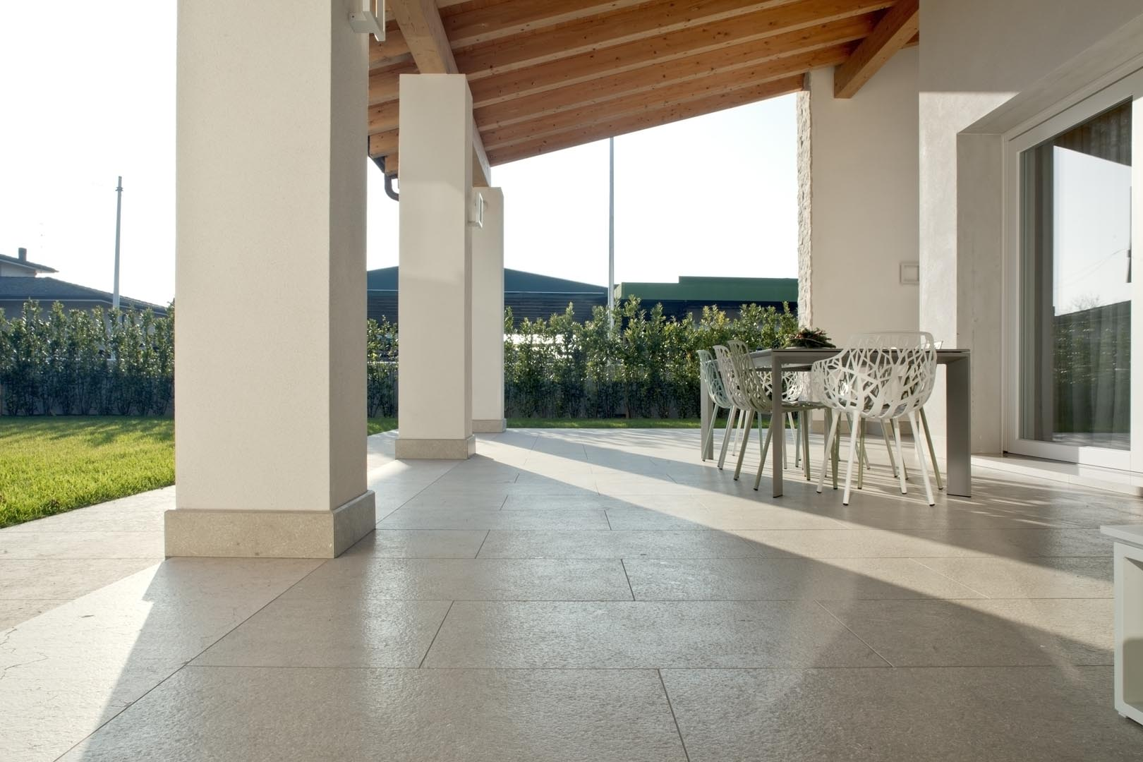 Grolla Grigio Olivo Ondulato - Grolla hard limestone, the company's flagship product, is a versatile and resistant material because it lends itself to all types of processing.  What distinguishes this stone from the others are its extraordinary certified technical-mechanical characteristics, such as low water absorption, resistance to abrasion, salt, pollution and frost.  Thanks to these peculiarities, Grolla is suitable to the realisation of outdoor projects (ventilated and glued facades, floors, swimming pools) and interiors (wall coverings, floors, bathrooms, kitchens, objects and furnishing elements such as sinks, shower trays, tubs, tables and much more).  The colors of the Grolla range from beige to intense pink shades, passing through grey.  The remarkable technical characteristics, combined with the aesthetic qualities of this stone, adapt to suited to styles, architectural contexts and design from classic to contemporary, perfectly matching with wood, glass, steel and other materials.  Interiors and exteriors, classicism and contemporaneity: for Grolla, every solution is possible. | Matter of Stuff