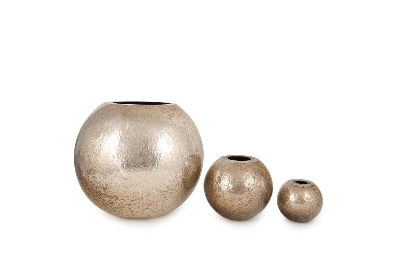 Tris Mirrored Sphere - <p>Three sizes of ornamental tableware in two finishes. All made from hand-blown glass-making techniques.</p>  | Matter of Stuff