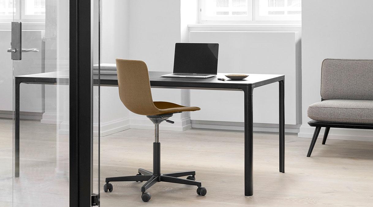 Mesa 4625 Table