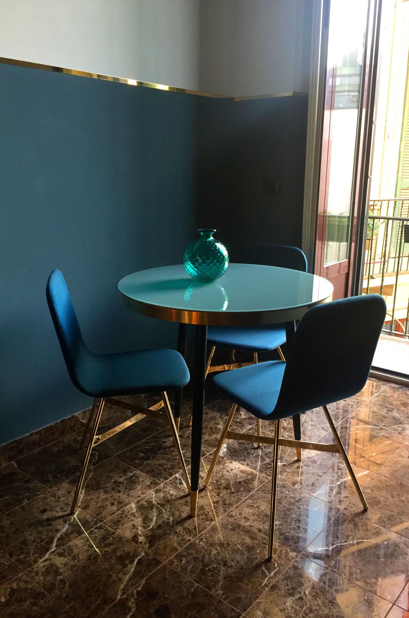 Tria Simple Gold Chair