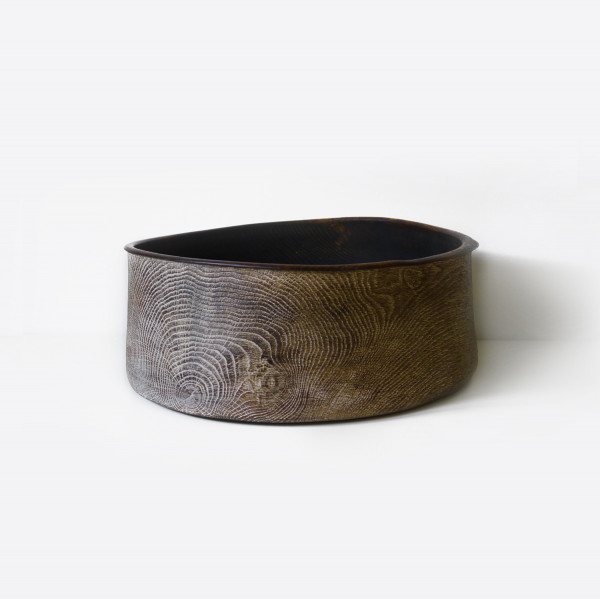 Bowl Oak 04 - The artistic work of the trained carpenter and film-director Fritz Baumann is expressed in award-winning films and unique works in wood.
