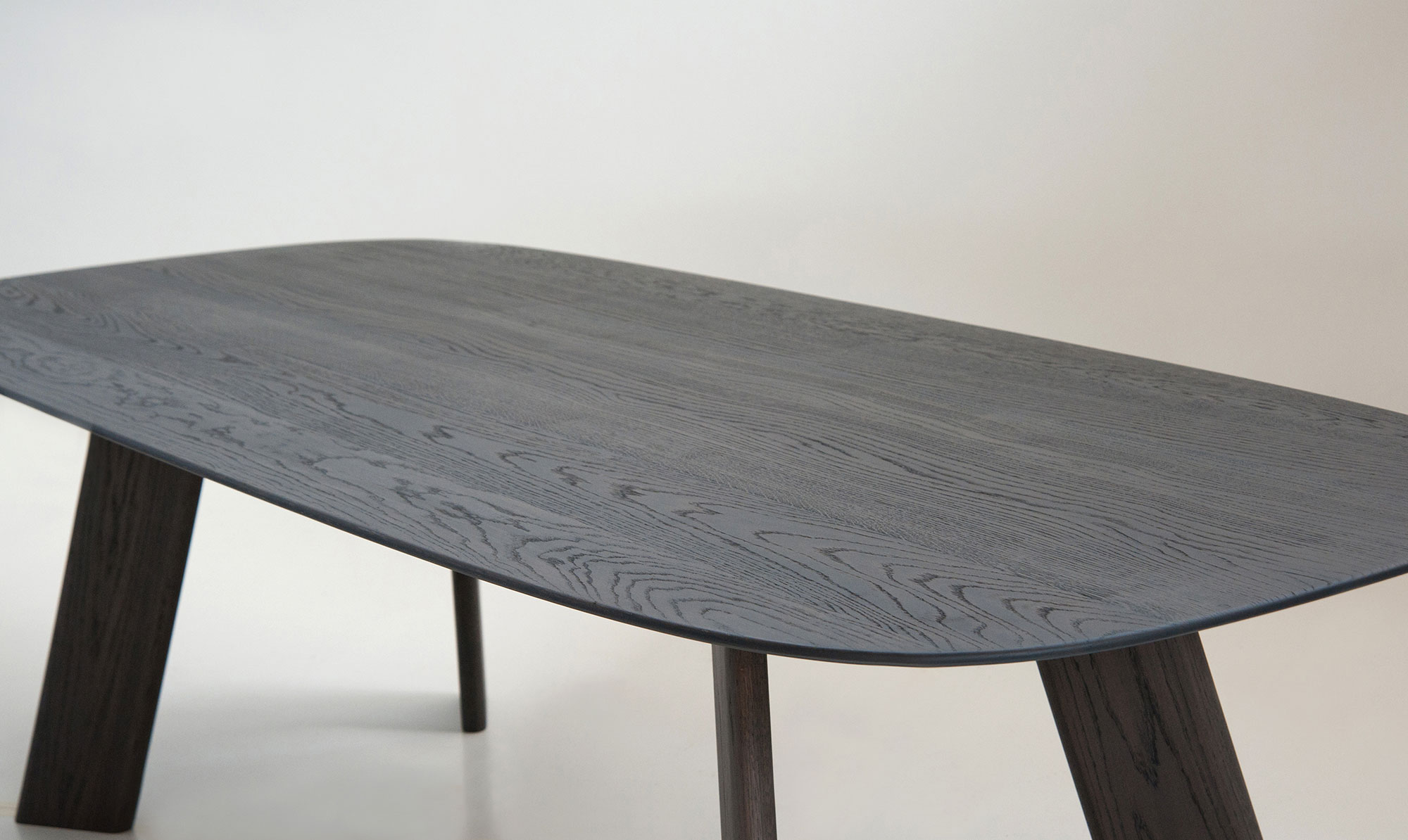 Alhambra 001 C Dining Table - <p>Table in various sizes with shaped soap top, legs in unique section, lacquered or solid wood.</p>  | Matter of Stuff