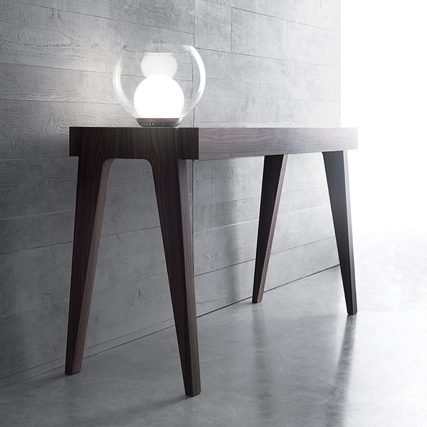 Crescendo Extensibile Console Table - <p>Simple linees but unmistakable transform a table consolle in Crescendo, an high design's object, rich of class and personality. The sophisticated technology hidden inside easily extends the top until 1,80 meters long.</p>  | Matter of Stuff