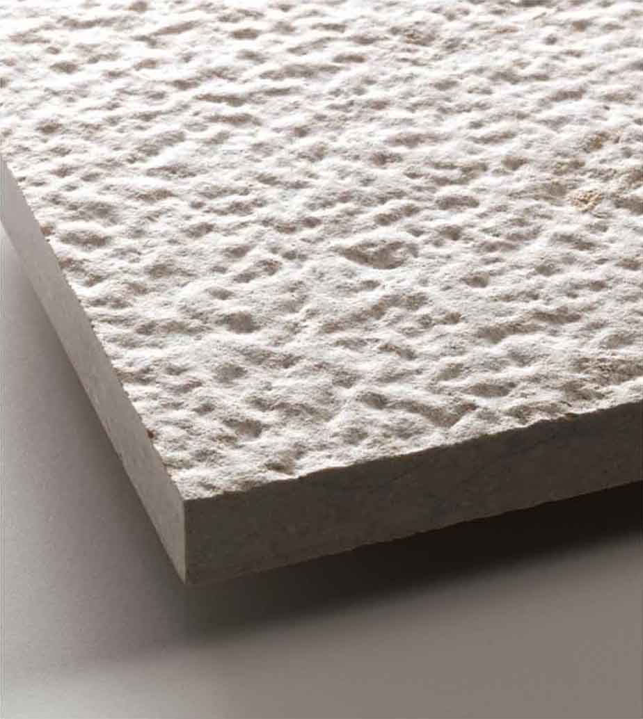Grolla Beige Rock Finish - Grolla hard limestone, the company's flagship product, is a versatile and resistant material because it lends itself to all types of processing.