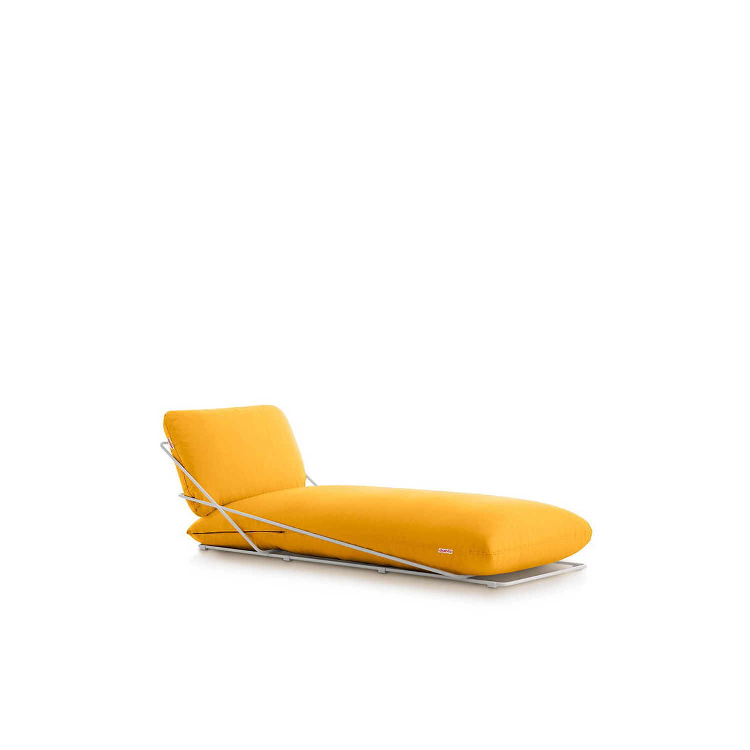 Valentina Chaise Longue - <p>The Valentina Outdoor collection has a casual and laid-back character that is at the same time elegant and colourful. It's the most genuine expression of Diabla's style. Its creator, Alejandra Gandía-Blasco Lloret, decided to design a seat using just two cushions and keeping other elements to the minimum. And that's how not just a whole family of sofas but also a highly chic lounger came to be.</p>