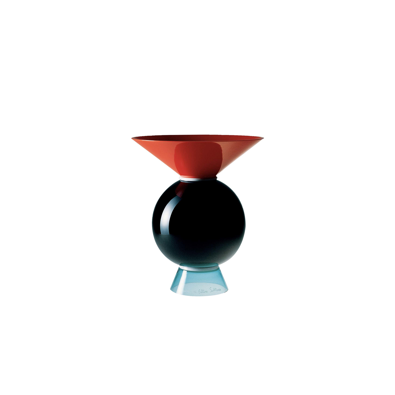 Yamen and Oman Vase