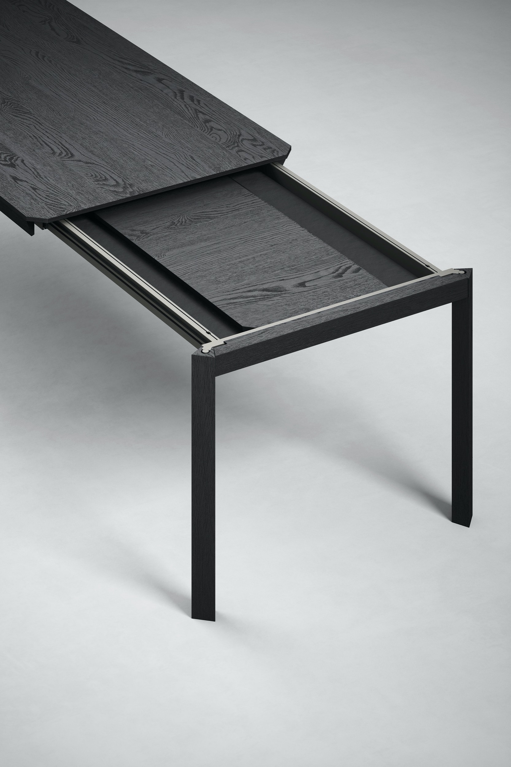 Stretch Extending Table