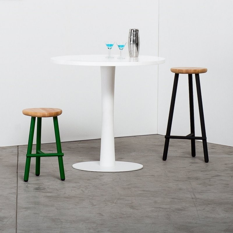 Milk Stool - The concept for Milk is found in the chairs used in the past for milking. It is a homage to rural tradition, where everything is proudly made at home, between exposed brick and acres of greenery. Selection of finishes in the list at the end of the page.  | Matter of Stuff