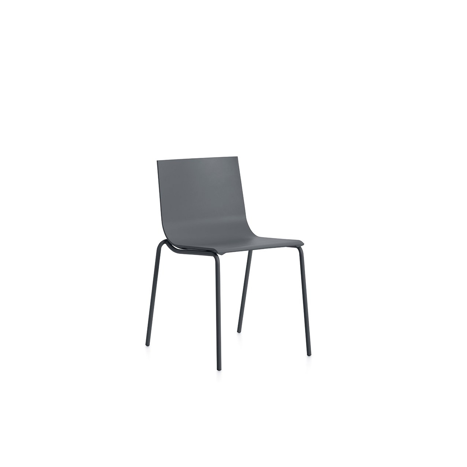Vent Chair - The Vent outdoor chair is an item that seems to change its appearance depending on the colour you choose. In neutral tones like white, light grey or anthracite, it comes across as a discreet, sober, elegant design. But in colours like pink, red, blue or yellow it can become that colourful, fun item that's clamouring to be noticed.  | Matter of Stuff